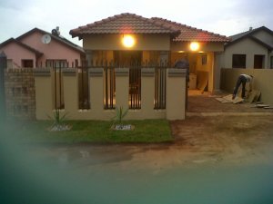 Modern House In Soshanguve East Ext 4 Vv Pretoria