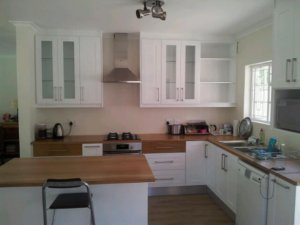 Affordable kitchens and bedroom cupboards cape town for Affordable kitchens cape town